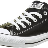 Converse Men's Low Chuck Taylor Canvas Sneaker