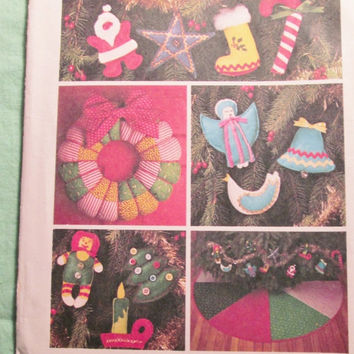 Sale Uncut 1970's Simplicity Sewing Pattern, 7736! Christmas Home Decor/Tree Ornaments/Wreaths/Tree Skirts/Holiday Decor/Angels/Candy Canes/