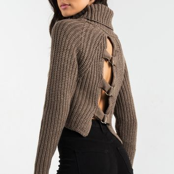 AKIRA Turtleneck Open Buckled Up Back Long Sleeve Cropped Warm Knit Sweater in Warm Grey, Dusty Pink