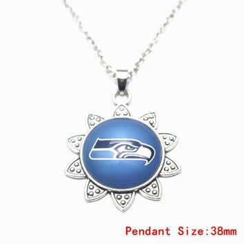 1pcs/lot Sunflower Football Seattle Seahawks Glass Pendant Necklace Silver 50cm Chains Necklace For Women Necklace DIY Jewelry