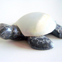 Adorable Vintage Stone and Onyx Carved Turtle
