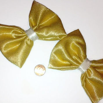 Gold Vintage Fabric Bow, Vintage fabric, gold hair bow, golden vintage fabric, retro bows, gift ideas, glitz, womens hair bows, cheer bows,