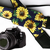 Sunflowers Camera strap with pocket.  Roses camera strap.  dSLR Camera Strap. Camera accessories. Canon camera strap. Nikon camera strap.
