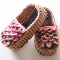 Crocodile Stitch Loafers - Tan and Pink House Slippers - Womens Crochet Slippers with Hemp Soles - Made to Order