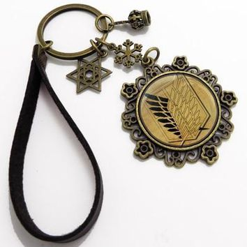 Cool Attack on Titan 15 Colors Anime  Cosplay king Keychain Men& women fashion personality DIY birthday gift Key Chains Pendant AT_90_11