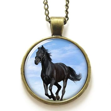 10pcs/lot Horse necklace,  large animal that Handsome appearance with black fur necklace glass Photo Equine Jewelry necklace