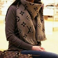 LV Louis Vuitton Classic Hot Sale Warm Cashmere Cape Tassel Scarf Scarves Shawl Accessories