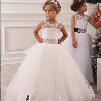 Don's Bridal Lace Appliques Flower Girls Dresses For Weddings Sashes Belt Floor Length Cheap Ball Gown Kids Prom Gowns 2016