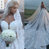 Gorgeous Dubai Arabic Wedding Gowns Lace Appliqued Luxury Long Train Bridal Gowns Bride Dress