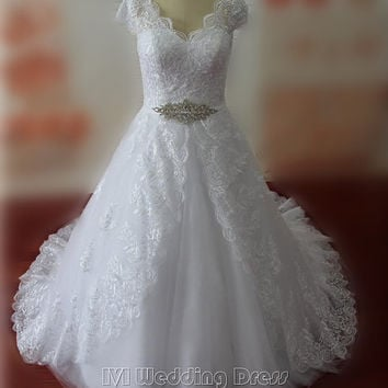 Real Samples Plus Size Sexy V-neck Wedding Dresses Cap Sleeves Wedding Gowns Lace Bridal Gowns Custom Made Bridal Dress