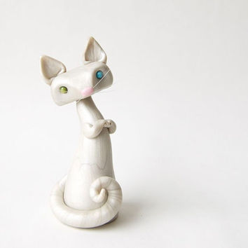 Odd-Eyed White Cat Sculpture by Bonjour Poupette