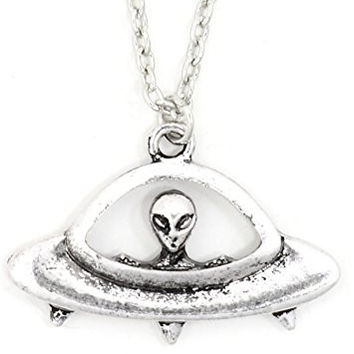 Alien UFO Flying Saucer Necklace Retro Vintage Silver Tone NU23 Spaceship Pendant Fashion Jewelry