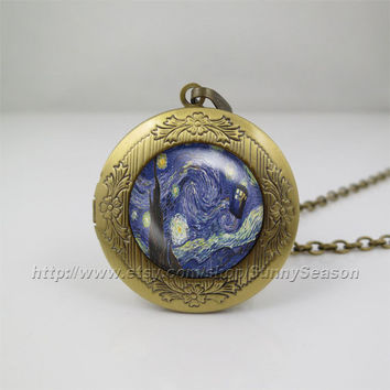 Starry Night Tardis Necklace,Doctor Who, Police Box, Blue,Doctor who tardis Locket Necklace,tardis Dr who necklace,Glass Locket necklace