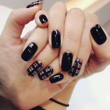 Black Color 24Pcs Lattice Pattern Acrylic Full Cover False Nail Tip Art with Glue Artificial Designed Nail Tips -30