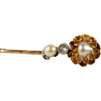 18K solid gold pin with old European cut diamond and pearls, Stamped Edwardian gold tie tack, Art Nouveau brooch