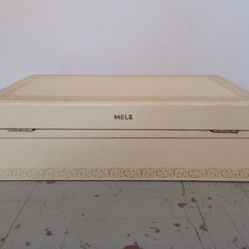 vintage mele jewelry box. Cream jewelry box.