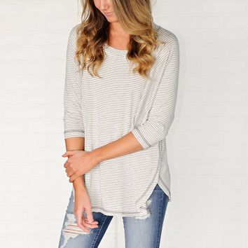 * Davis Striped 3/4 Sleeve Dolman Top : Grey/White