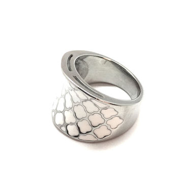 Stainless Steel White Epoxy Clover Cocktail Ring