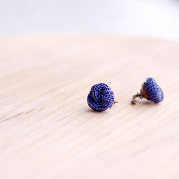 Vintage dark blue knot and silver clip on earrings, 1950s or 1960s