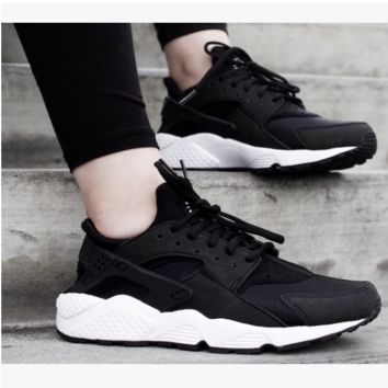 Nike Drops the Air Huarache Ultra Sports shoes Black-white