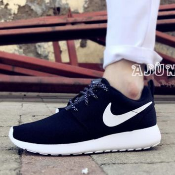 NIKE Women Men Running Roshe Sport Casual Shoes Sneakers black-white hook