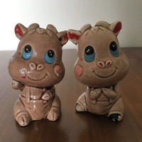 Vintage 1970s Kitsch Cow Salt and Pepper Shakers / Cutie Pie Cow Salt and Pepper Shakers