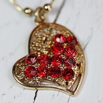 Valentines Day Necklace. Heart Necklace. Swarovsky Heart Pendant on Gold Filled Chain. Gold Filled Necklace. Love Necklace. Love Jewelry