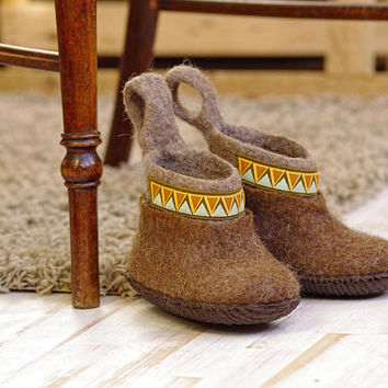 Felted children shoes with rubber sole- toddler wool shoes- kid's wool shoes- brown color wool baby winter warm shoes- eco children shoes