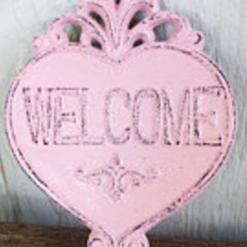 Ornate Heart Welcome Sign Wall Art - Pastel Powder Pink - Shabby Chic Outdoor Decor