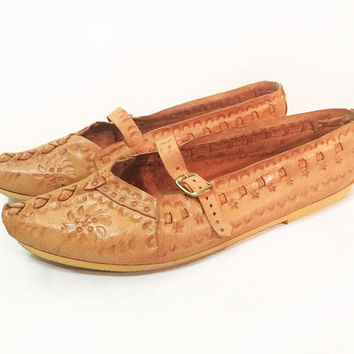 Vintage 1970's Indian Ethnic Tooled Braided Leather Brown Leather Flats With Straps || Size 7.5 to 8