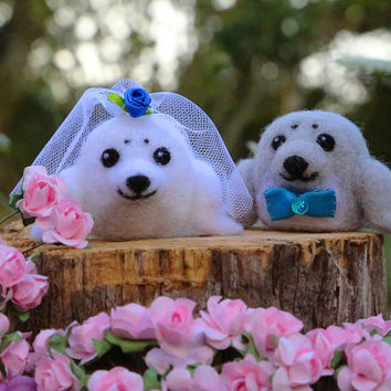 Seal Cake Topper, Wedding Cake Topper, Animal Cake Topper, Bride and Groom, Needle Felted Seal, Needle Felted Animal, Felt Cake Topper, Cute
