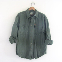 90s military green shirt. button down shirt in army green. Men's size L