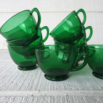 Emerald Green Glass Punch Cups, Green Glass vintage Anchor hocking green tea cups Mid century green glassware, green glass mugs, green glass