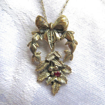 "Vintage Sterling Holly Necklace, Franklin Mint ""Love So True"" Holly Wreath with Bow. Sterling Silver Necklace"