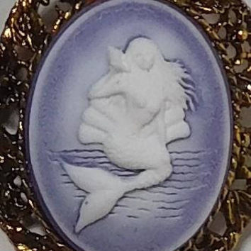 Mermaid Cameo Pendant, Mermaid Necklace, Choker Necklace, Mermaid Brooch, Brooch Pendant, Purple Cameo, Antiqued Gold Tone, Large Setting