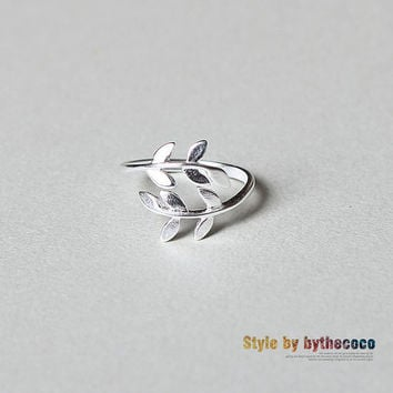 leaf ringsilver adjustable ring by bythecoco on Etsy