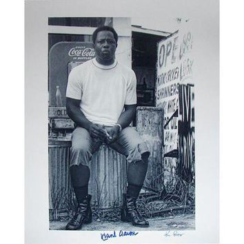 NOVO5 Hank Aaron Sitting on Garbage Can 16x20 Photo Signed By Photographer Ken Regan