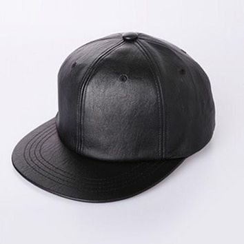 New Fashion Unisex Casual Snapbacks Hats Black Blank PU Leather Flat brim Baseball Caps Hip hop Cap Bones Gorras For Men Women