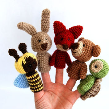 5 animal finger puppets spring crocheted bee bear fox bunny or rabbit turtle playing fairy tail waldorf gift for children multicolour
