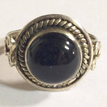 Vintage Sterling Silver with Black Onyx Ring Size 7