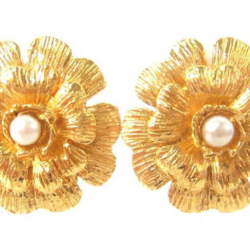 Vintage CHANEL classic golden camellia earrings with faux pearl.  So hot and chic item. Great gift.