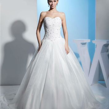 A Line Royal Wedding Dresses Organza Applique Lace Beading Sweetheart Bridal Gown