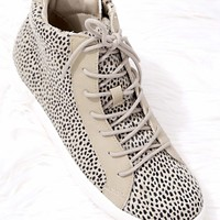 Women's Animal Print Lace-up Sneaker