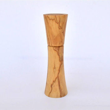 "Wooden Needle Holder, Olive Wood, Holds up to 8 cm long Needles (3"" 5/32) Standing / Needle Case"