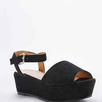Deena & Ozzy Cady 2-Part Flatform Shoes in Black - Urban Outfitters