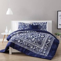 VCNY Eleanor Comforter Set in Navy/White