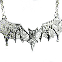"5"" Silver Gothic Vampire Bat Necklace Deathrock Rockabilly Dracula Halloween"