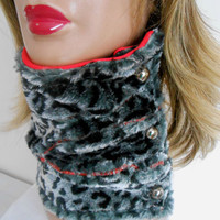 Leopard Neck Warmer, Leopard Faux Fur Scarf, Neck Warmer Black White Red, Leopard Loop Scarf,  Winter Neck Warmer, Leopard Fur Circle Scarf,