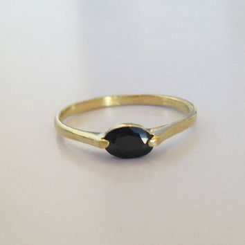 20% off-SALE!! Onyx Slim Ring - Gold Tiny Ring - Gemstone Ring - Black Jewelry - Onyx Oval Ring - Slim Band - Simple Ring