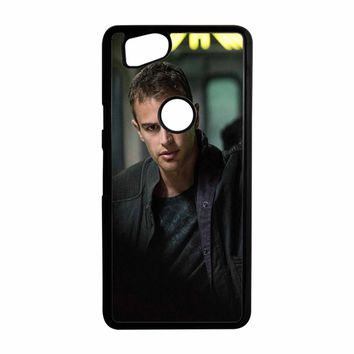 Theo James-Divergent  Google Pixel 2 Case
